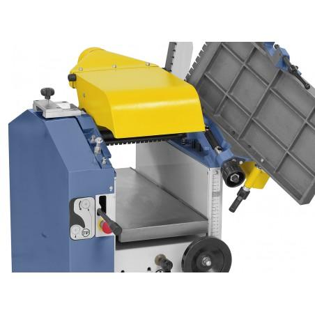 Hota de exhaustare rebatabila integrata are diametrul de racordare de 100 mm